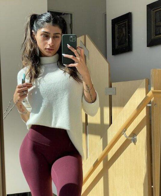 Mia Khalifa2