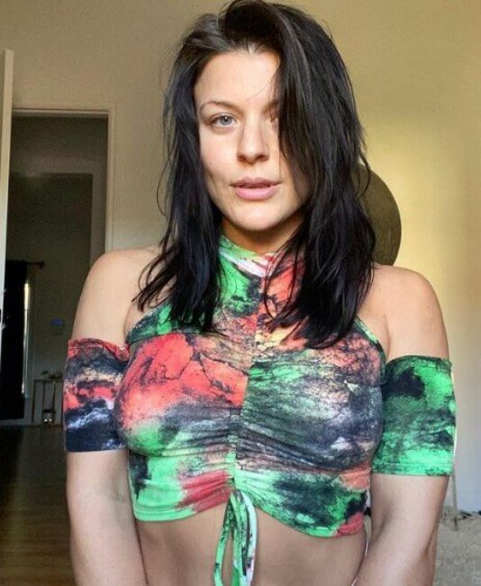 Janelle Ginestra4