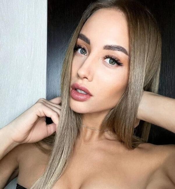 Yuliana Deryagina1