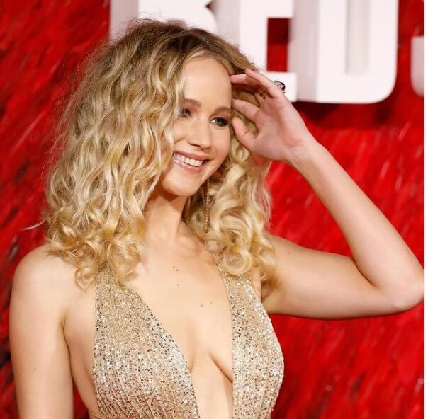 Jennifer Lawrence Height, Weight, Age, Net Worth, Measurements