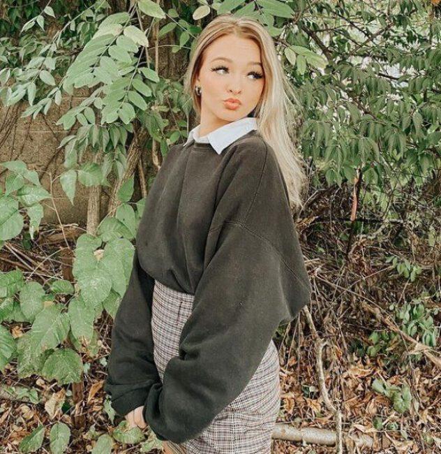 Zoe LaVerne5