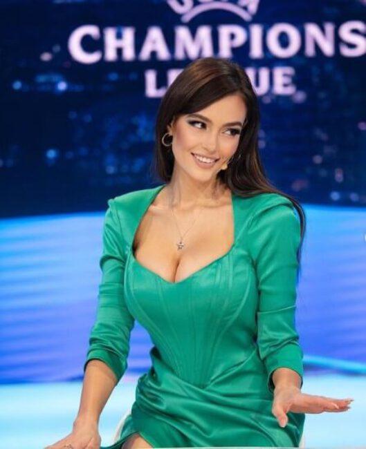 Eva Murati5