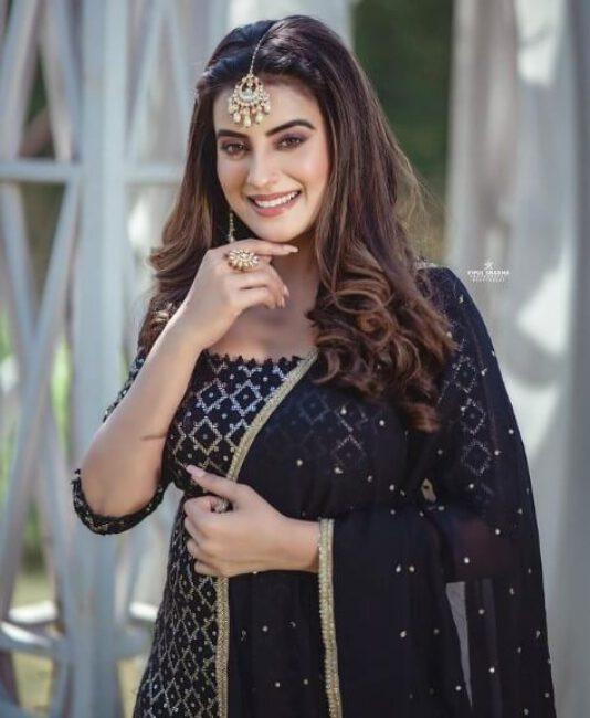 Akshara Singh3