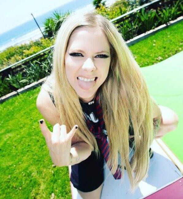 Avril Lavigne3
