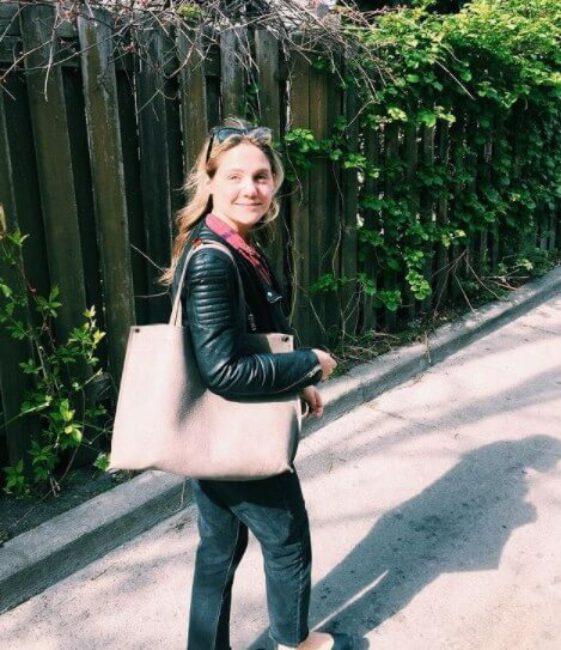 Lauren Collins8