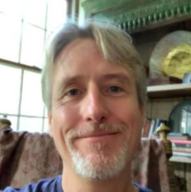 Linus Roache2